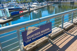 """Photo 13: C-7 1088 MARINASIDE Crescent in Vancouver: Yaletown Condo for sale in """"Quayside Marina"""" (Vancouver West)  : MLS®# R2385157"""