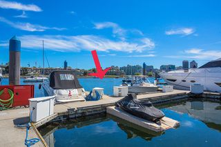 """Photo 4: C-7 1088 MARINASIDE Crescent in Vancouver: Yaletown Condo for sale in """"Quayside Marina"""" (Vancouver West)  : MLS®# R2385157"""