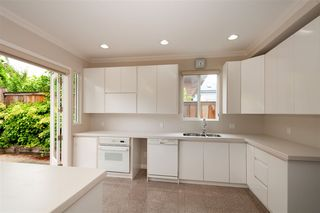 Photo 3: 2369 JEFFERSON Avenue in West Vancouver: Dundarave House for sale : MLS®# R2385406