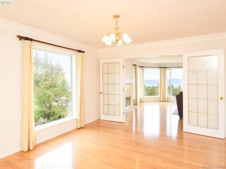 Photo 6: 4690 Bramble Crt in VICTORIA: SE Broadmead House for sale (Saanich East)  : MLS®# 819557