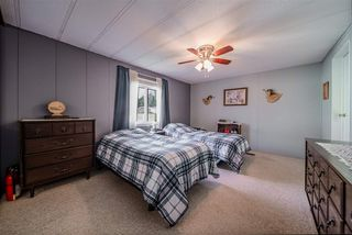 """Photo 10: 72 2303 CRANLEY Drive in Surrey: King George Corridor Manufactured Home for sale in """"Sunnyside Estates"""" (South Surrey White Rock)  : MLS®# R2435775"""