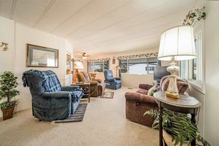 """Photo 4: 72 2303 CRANLEY Drive in Surrey: King George Corridor Manufactured Home for sale in """"Sunnyside Estates"""" (South Surrey White Rock)  : MLS®# R2435775"""