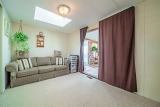 """Photo 14: 72 2303 CRANLEY Drive in Surrey: King George Corridor Manufactured Home for sale in """"Sunnyside Estates"""" (South Surrey White Rock)  : MLS®# R2435775"""