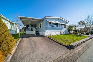 "Main Photo: 72 2303 CRANLEY Drive in Surrey: King George Corridor Manufactured Home for sale in ""Sunnyside Estates"" (South Surrey White Rock)  : MLS®# R2435775"