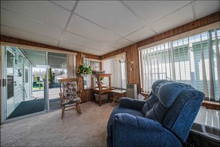 """Photo 16: 72 2303 CRANLEY Drive in Surrey: King George Corridor Manufactured Home for sale in """"Sunnyside Estates"""" (South Surrey White Rock)  : MLS®# R2435775"""