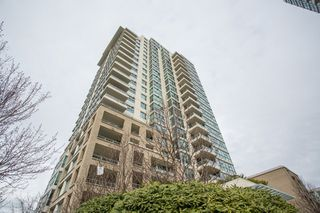 "Photo 2: 1903 125 MILROSS Avenue in Vancouver: Downtown VE Condo for sale in ""Creekside of Citygate"" (Vancouver East)  : MLS®# R2440865"