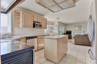 """Photo 6: 8576 142 Street in Surrey: Bear Creek Green Timbers House for sale in """"Brookside"""" : MLS®# R2444249"""