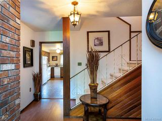 Photo 5: 11 949 Pemberton Rd in VICTORIA: Vi Rockland Row/Townhouse for sale (Victoria)  : MLS®# 836588