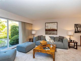 Photo 7: 11 949 Pemberton Rd in VICTORIA: Vi Rockland Row/Townhouse for sale (Victoria)  : MLS®# 836588