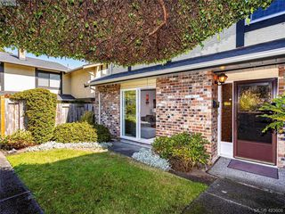 Photo 16: 11 949 Pemberton Rd in VICTORIA: Vi Rockland Row/Townhouse for sale (Victoria)  : MLS®# 836588