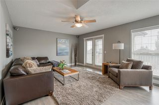 Photo 18: 99 SPRINGBLUFF Boulevard SW in Calgary: Springbank Hill Detached for sale : MLS®# C4299903