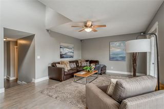 Photo 17: 99 SPRINGBLUFF Boulevard SW in Calgary: Springbank Hill Detached for sale : MLS®# C4299903