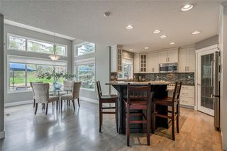 Photo 10: 99 SPRINGBLUFF Boulevard SW in Calgary: Springbank Hill Detached for sale : MLS®# C4299903
