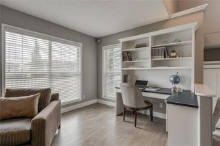 Photo 20: 99 SPRINGBLUFF Boulevard SW in Calgary: Springbank Hill Detached for sale : MLS®# C4299903