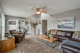 Photo 19: 99 SPRINGBLUFF Boulevard SW in Calgary: Springbank Hill Detached for sale : MLS®# C4299903