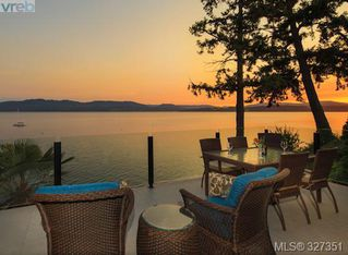 Photo 2: 10646 Madrona Dr in North Saanich: NS Deep Cove House for sale : MLS®# 327351