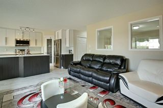 Photo 12: 202 Cougar Plateau Way SW in Calgary: Cougar Ridge Detached for sale : MLS®# A1029793