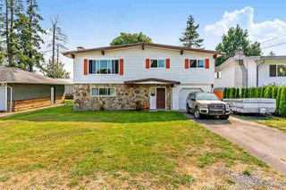 Main Photo: 17390 58A Avenue in Surrey: Cloverdale BC House for sale (Cloverdale)  : MLS®# R2496458