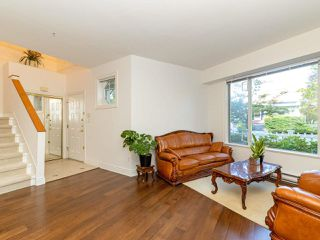 Photo 3: 972 West 54th Avenue in Vancouver: South Cambie Townhouse for sale (Vancouver West)  : MLS®# R2507523