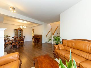 Photo 4: 972 West 54th Avenue in Vancouver: South Cambie Townhouse for sale (Vancouver West)  : MLS®# R2507523