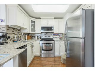 """Photo 10: 509 15111 RUSSELL Avenue: White Rock Condo for sale in """"PACIFIC TERRACE"""" (South Surrey White Rock)  : MLS®# R2524746"""