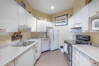 """Photo 38: 509 15111 RUSSELL Avenue: White Rock Condo for sale in """"PACIFIC TERRACE"""" (South Surrey White Rock)  : MLS®# R2524746"""