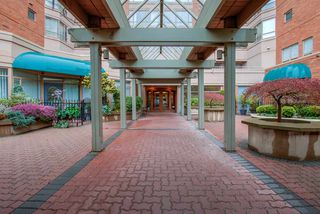 """Photo 40: 509 15111 RUSSELL Avenue: White Rock Condo for sale in """"PACIFIC TERRACE"""" (South Surrey White Rock)  : MLS®# R2524746"""