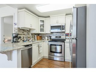 """Photo 11: 509 15111 RUSSELL Avenue: White Rock Condo for sale in """"PACIFIC TERRACE"""" (South Surrey White Rock)  : MLS®# R2524746"""