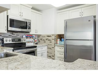 """Photo 9: 509 15111 RUSSELL Avenue: White Rock Condo for sale in """"PACIFIC TERRACE"""" (South Surrey White Rock)  : MLS®# R2524746"""