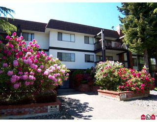 Photo 1: 202 1371 Foster Street in South Surrey: White Rock Condo for sale (South Surrey White Rock)  : MLS®# F2826418