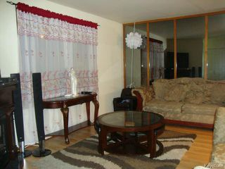 Photo 3: 42 MUSKA Bay in WINNIPEG: Maples / Tyndall Park Residential for sale (North West Winnipeg)  : MLS®# 1405551
