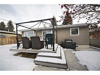 Photo 17: 5712 LODGE Crescent SW in Calgary: Lakeview Residential Detached Single Family for sale : MLS®# C3648938