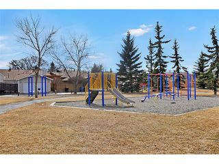 Photo 2: 235 TEMPLEVALE Road NE in Calgary: Temple House for sale : MLS®# C4003858