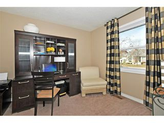 Photo 13: 235 TEMPLEVALE Road NE in Calgary: Temple House for sale : MLS®# C4003858