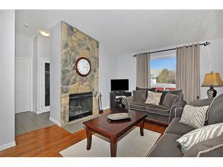 Photo 4: 235 TEMPLEVALE Road NE in Calgary: Temple House for sale : MLS®# C4003858