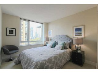 "Photo 10: 701 1088 RICHARDS Street in Vancouver: Yaletown Condo for sale in ""RICHARDS LIVING"" (Vancouver West)  : MLS®# V1139508"