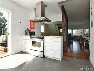 Photo 8: 736 Powderly Ave in VICTORIA: VW Victoria West House for sale (Victoria West)  : MLS®# 710596