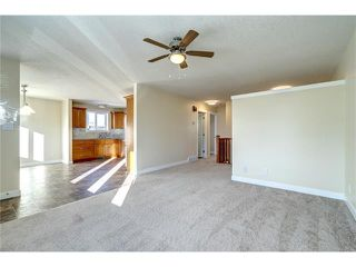 Photo 2: 106 Maplewood Place: Black Diamond House for sale : MLS®# C4042698