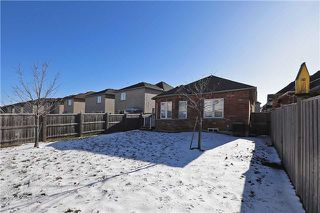 Photo 8: 110 Fencerow Drive in Whitby: Rolling Acres House (Bungaloft) for sale : MLS®# E3393211