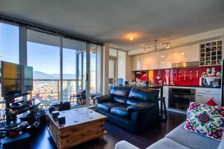 """Photo 4: 2701 131 REGIMENT Square in Vancouver: Downtown VW Condo for sale in """"SPECTRUM"""" (Vancouver West)  : MLS®# R2032610"""