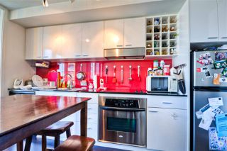 """Photo 6: 2701 131 REGIMENT Square in Vancouver: Downtown VW Condo for sale in """"SPECTRUM"""" (Vancouver West)  : MLS®# R2032610"""