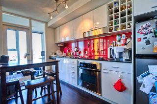 """Photo 7: 2701 131 REGIMENT Square in Vancouver: Downtown VW Condo for sale in """"SPECTRUM"""" (Vancouver West)  : MLS®# R2032610"""