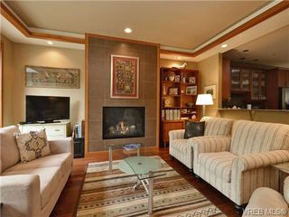 Photo 3: 7 3650 Citadel Pl in VICTORIA: Co Latoria Row/Townhouse for sale (Colwood)  : MLS®# 722237