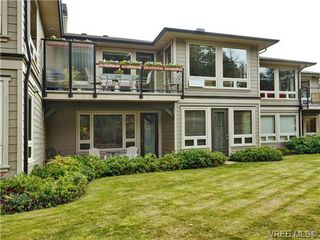 Photo 2: 7 3650 Citadel Pl in VICTORIA: Co Latoria Row/Townhouse for sale (Colwood)  : MLS®# 722237