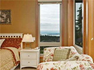 Photo 1: 7 3650 Citadel Pl in VICTORIA: Co Latoria Row/Townhouse for sale (Colwood)  : MLS®# 722237