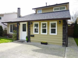 Photo 3: 1275 BLUFF Drive in Coquitlam: River Springs House for sale : MLS®# R2040184