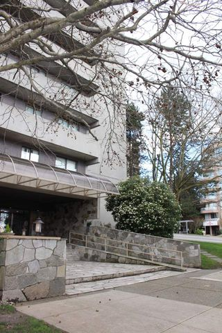 """Photo 5: 506 110 W 4TH Street in North Vancouver: Lower Lonsdale Condo for sale in """"OCEAN VISTA"""" : MLS®# R2042460"""