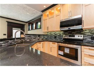 Photo 3: 4 975 Walfred Rd in VICTORIA: La Happy Valley House for sale (Langford)  : MLS®# 730914