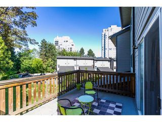 "Photo 2: 246 BALMORAL Place in Port Moody: North Shore Pt Moody Townhouse for sale in ""BALMORAL PLACE"" : MLS®# R2068085"
