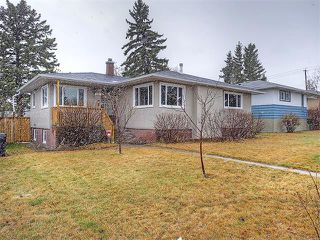 Photo 1: 111 42 Avenue NE in Calgary: Highland Park House for sale : MLS®# C4112502
